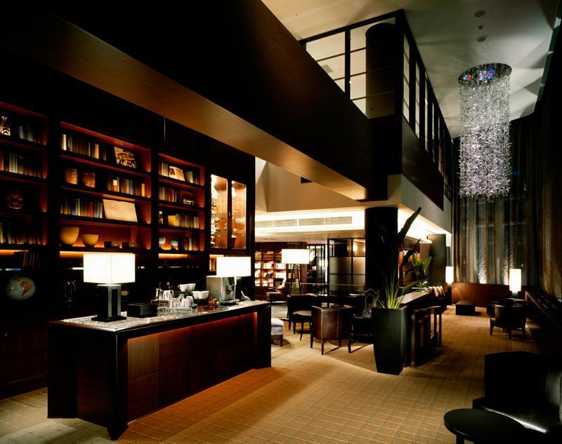 店舗デザインの作品アーガイブ デザイナーズショーケース ホテル アークリッシュ 豊橋 Hotel Arc